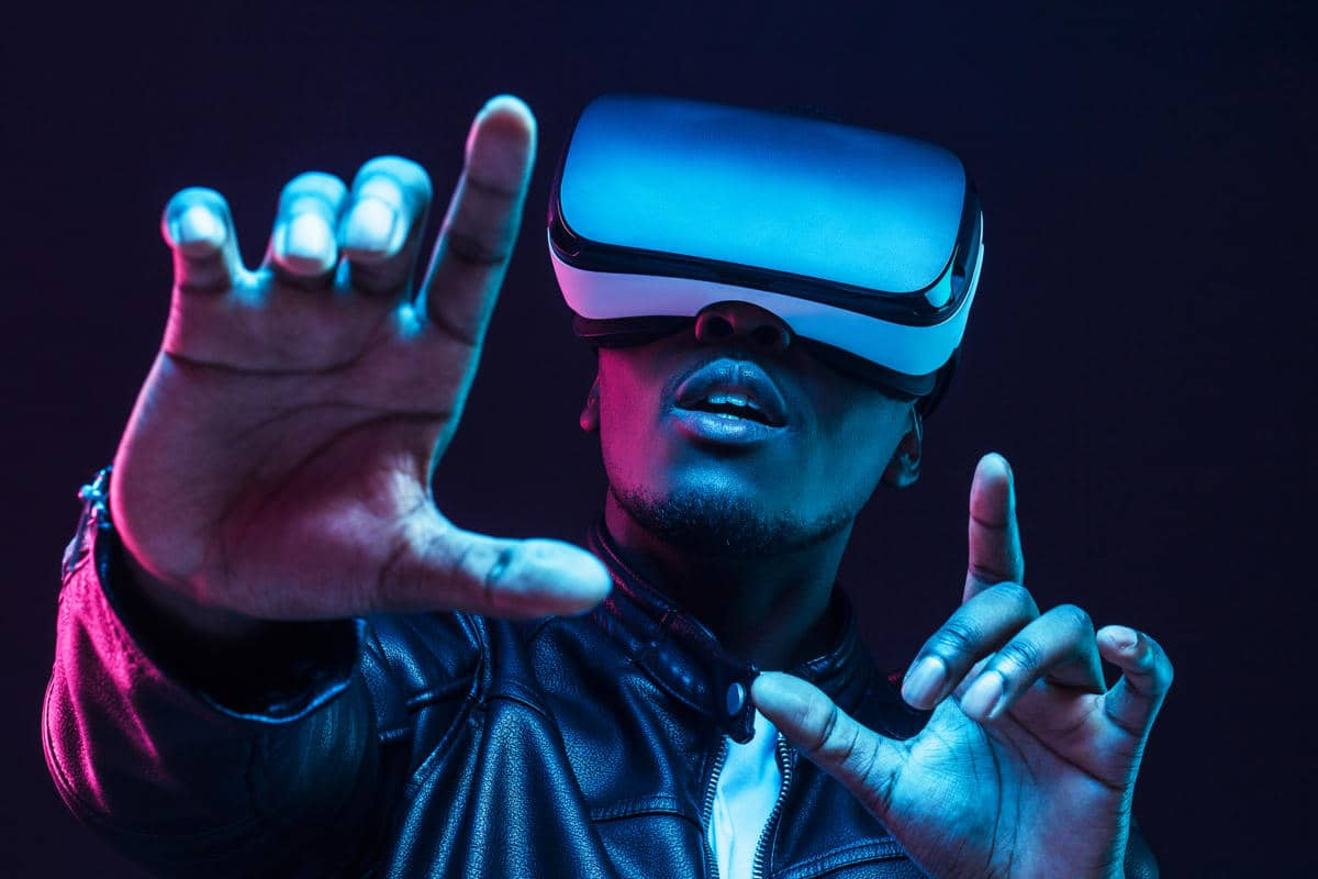 Microsoft Mesh Virtual Reality